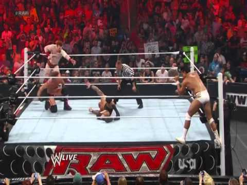 WWE Monday Night Raw - Full Show 7th May 2012 [HQ]