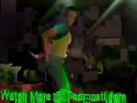 Pakistani Desi Girls Hot Mujra Dance in Dubai