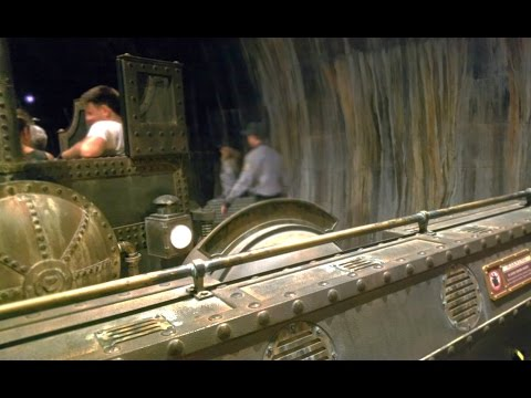 Harry Potter Escape From Gringott's Broken Ride Pov video