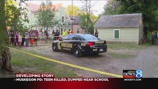Muskegon Michigan shit pine st blood gang wood st same thang