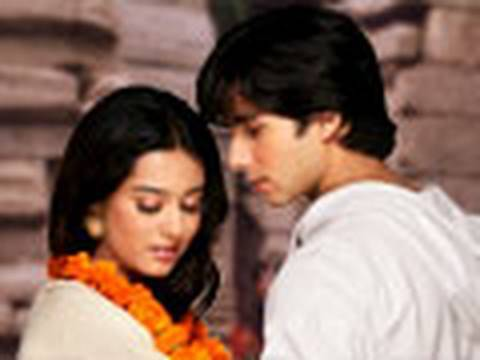 Vivah 6 16 - With English Subtitles - Shahid Kapoor & Amrita Rao video