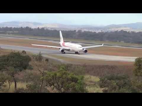 Airbus A330 200 da Air Algerie pousando e decolando do Aeroporto de Confins