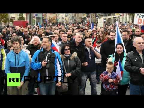 Czech Republic: Protesters reject Muslim refugees in Brno