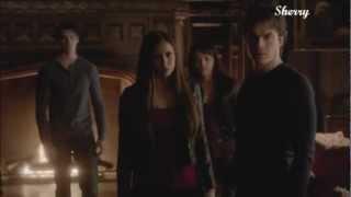 Elena aza a Damon y este pelea con Stefan(4x12)sub español