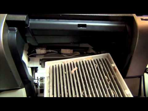 How To Replace Toyota Prius Cabin Filter   04 09   Lubeudo.com