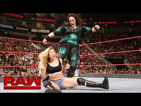 Nia Jax vs. Ann Esposito: Raw, Sept. 5, 2016