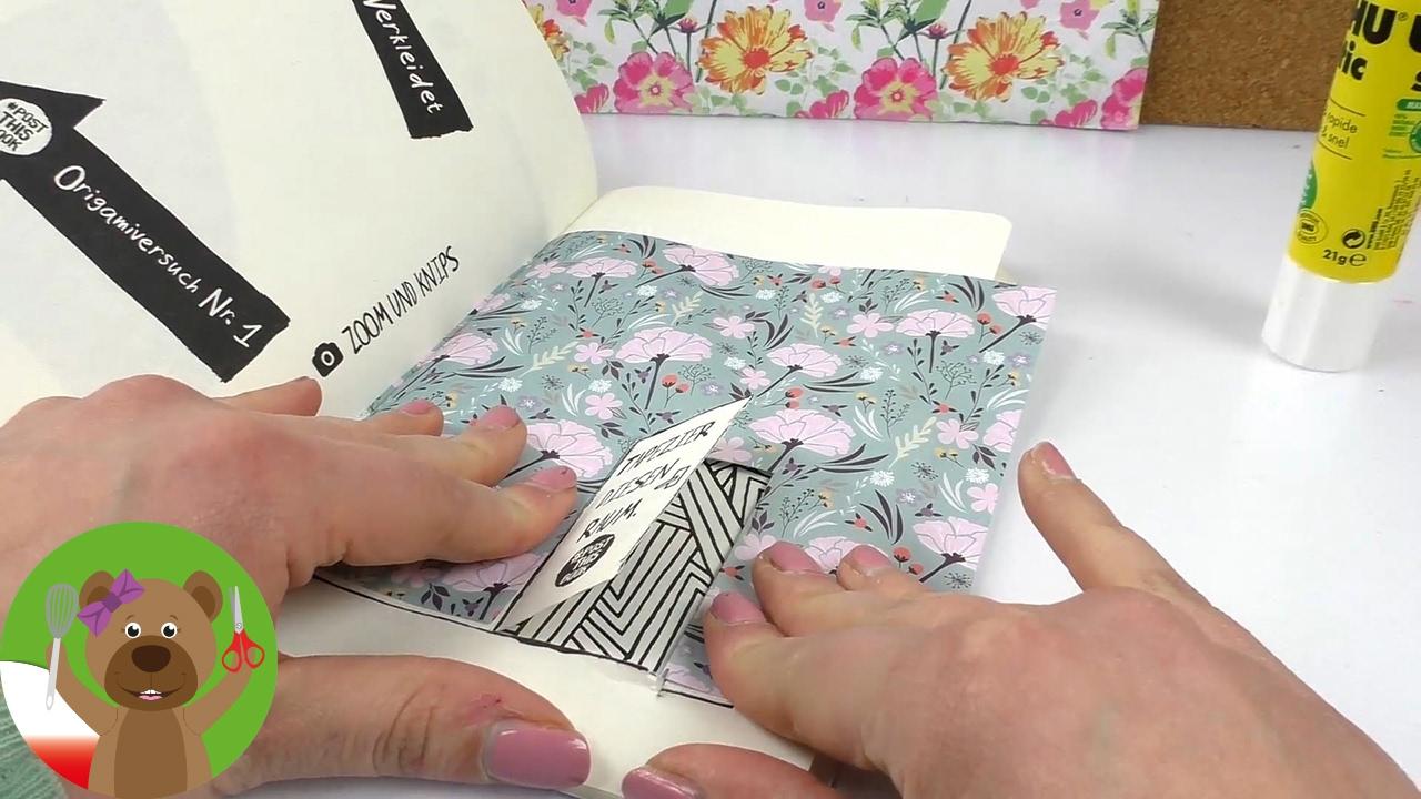 #postthisbook | książka z wyzwaniami | tapetowanie pokoju i kolorowanie na czas