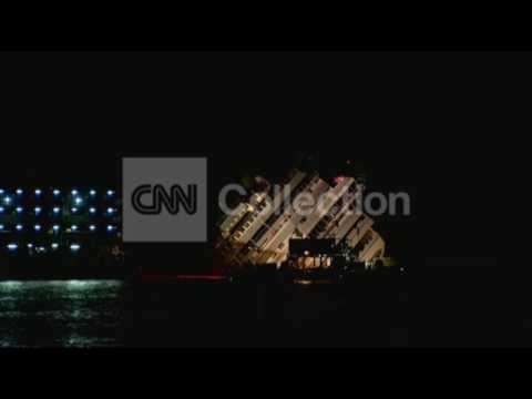 RAISING THE COSTA CONCORDIA (NIGHT VIDEO)