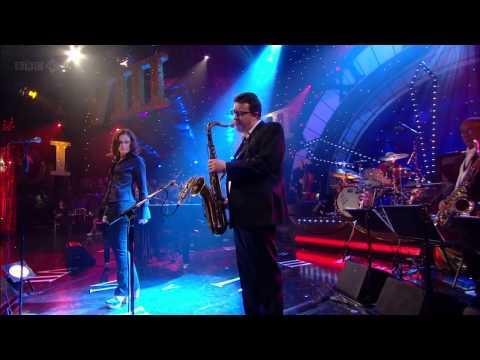 Alison Moyet - Love Letters (Jools Annual Hootenanny 2010) HD 720p