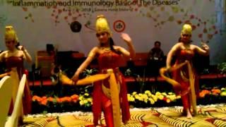 Sekarsari dance perform at Savana Hotel Malang