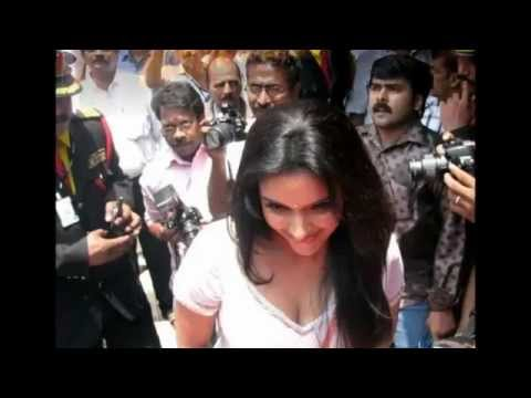 Actress Asin Thottumkal Hot In Chemmanur Jewellers Inauguration In Kerala video