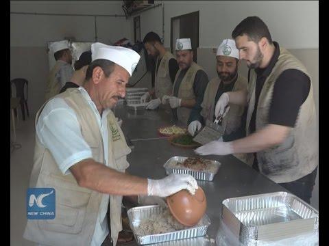 Gaza kitchen provides free hot meals to the needy