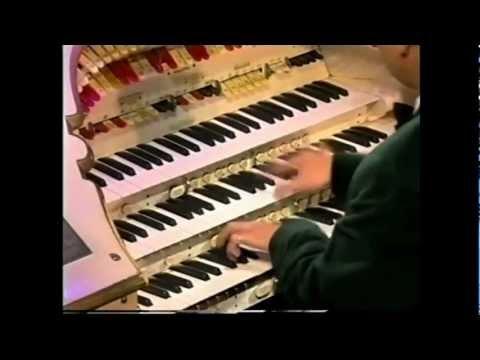 Organist goes Crazy!