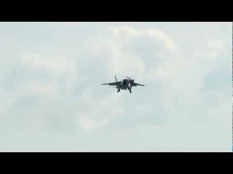 ЖЕСТЬ!!!!! Emergency Landing MiG-31 Foxhound