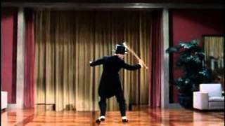 Watch Fred Astaire Puttin On The Ritz video