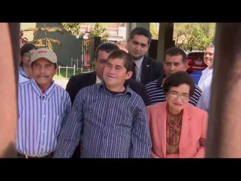 Náufrago salvadoreño sale del hospital