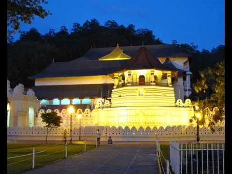 Buddhist Pirith Chantings - Sri Dalada Wandanda - ශ්රී දළදා වන්දනා -