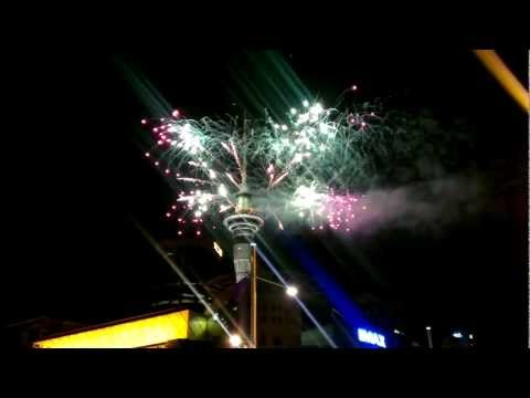 Amazing New Year's Eve Firework 2013 Celebration (HD) - Auckland, New Zealand.