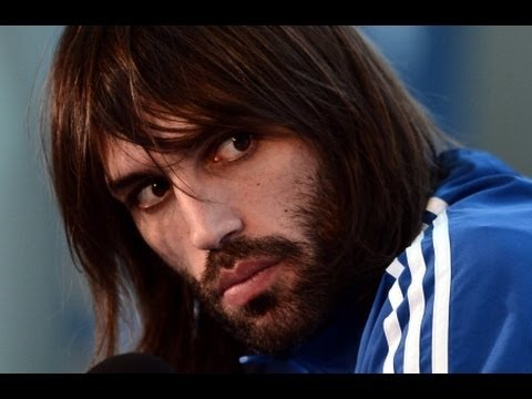 Emotional Samaras playing to put a smile on Greek faces