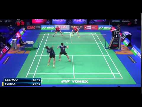 How to change defense to attack in badminton?
