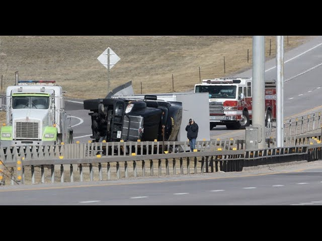 BREAKING БWild Weather In Wyoming 9 Trucks Turn Over  100Б Snow