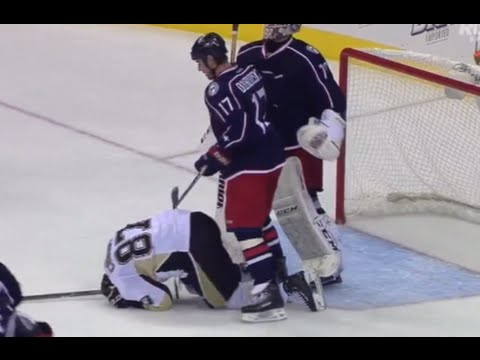 Brandon Dubinsky Cross Check on Sidney Crosby