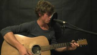 Half the World Away - Oasis (acoustic cover) by Robbie Lardi
