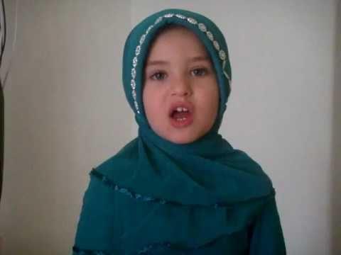 Muslim Kid Reciting Quran Surah Al-nasr video