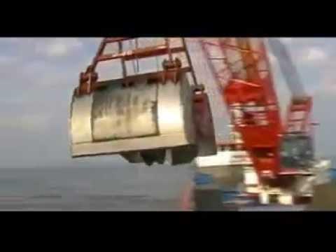 SENNEBOGEN 6180 dredging.mp4