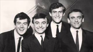 Watch Gerry  The Pacemakers Dont Let The Sun Catch You Crying video