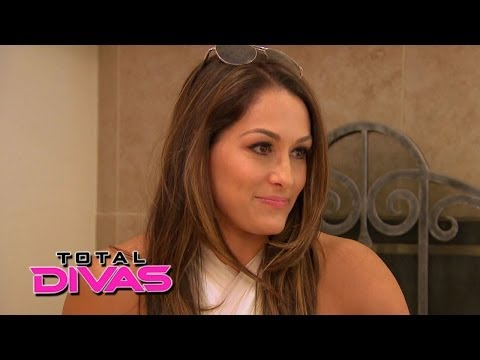 Nikki Bella tells her family about her first marriage: Total Divas, May 18, 2014