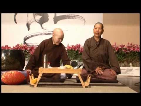 Sư Cô Trí Minh   Lễ Phật, Ngồi Thiền và Thể Dục Dưỡng Sinh 1