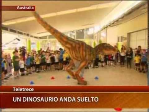 Dinosaurio mecánico provocó pánico en Australia   (Tele13)