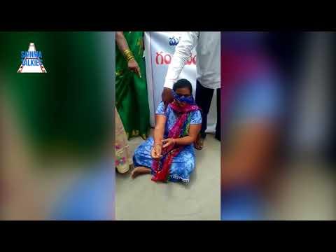 Women Protest At Congress Leader Gandra Venkata Ramana Reddy Residence