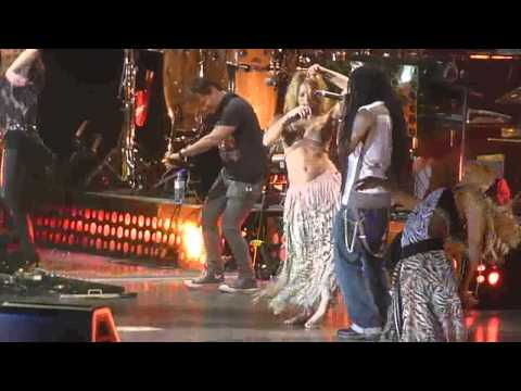 O PIQUE :) koncert SHAKIRA - HIPS DON`T LIE 17.05.2011 live ATLAS ARENA LODZ POLAND