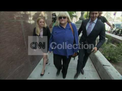 CA:DEBBIE ROWE COURT ARRIVAL-MJ TRIAL