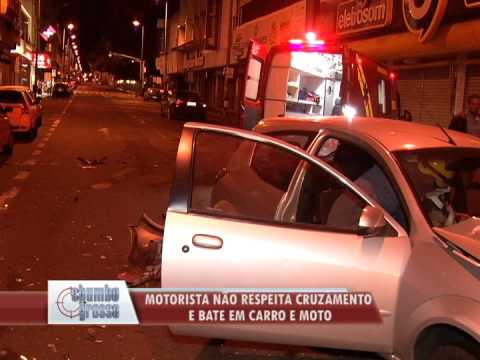Semáforo intermitente causa acidente no centro de Uberlândia