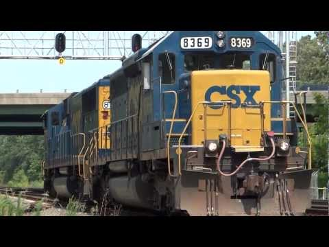 CSX 8775 & 8369 in St. Denis