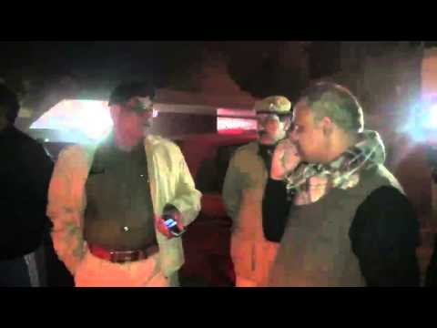 Conversation Between Somnath Bharti And Police Man - Khirki Extension #aap #delhi video