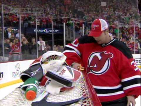 Martin Brodeur passes Patrick Roy with his 552nd career victory Video