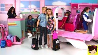 Barbie y Ken de Vacaciones en El Avion de Lujo de Barbie - Los Juguetes de Titi