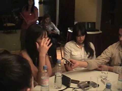 Michelle Rodriguez y Jordana Brewster con Arturo Macias