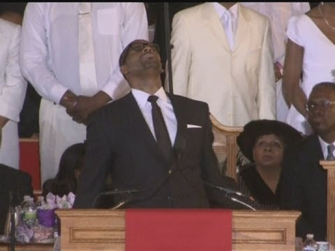 R Kelly fights for control at Whitney Houston's funeral