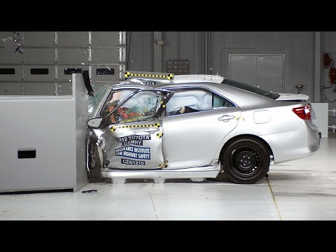 2012 Toyota Camry small overlap test
