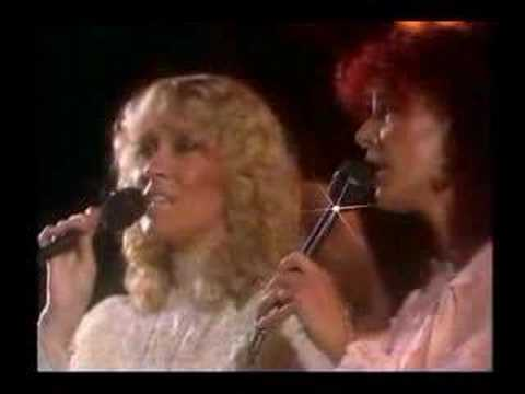 ABBA - Slipping Through My Fingers (Live)