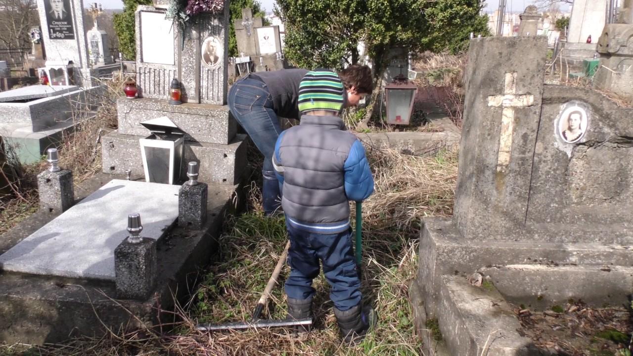 У Калуші відновлюють поховання, датовані кінцем ХVІІI століття