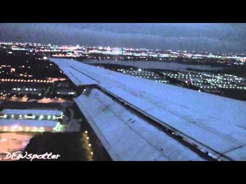 American Airlines MD-82 Landing At Dallas/Fort Worth Airport