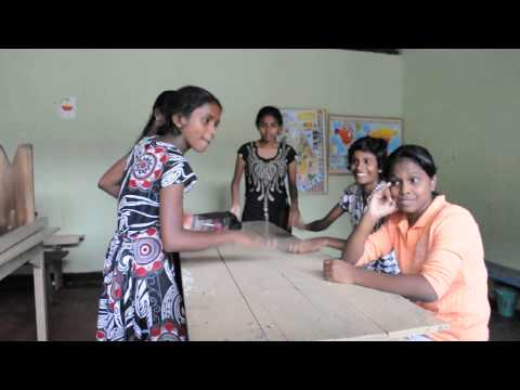 Sri Lankan Girls Singing video