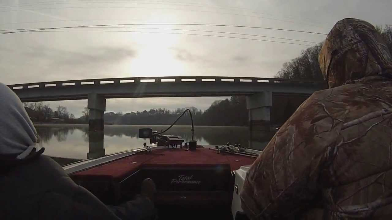 Chickamauga lake bass fishing 01 01 2014 youtube for Chickamauga fishing report