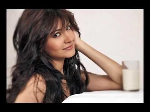 Anushka Sharma Latest HD Bollywood Actress Wallpapers Free Download
